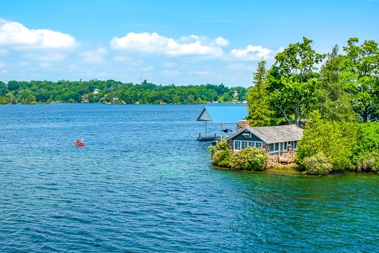 small cottage at blue water's edge thousand islands cruise
