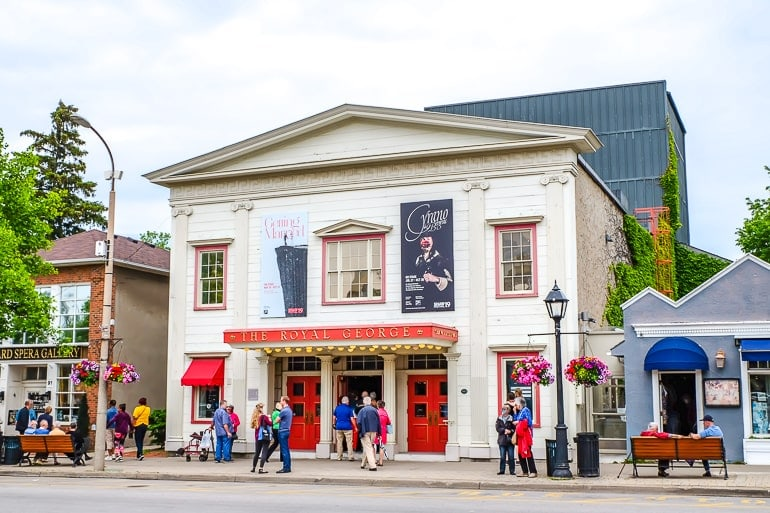 red and white theatre building on main street niagara on the lake