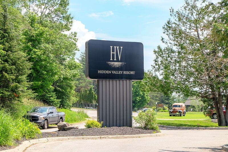 black billboard sign to hidden valley ski resort huntsville ontario