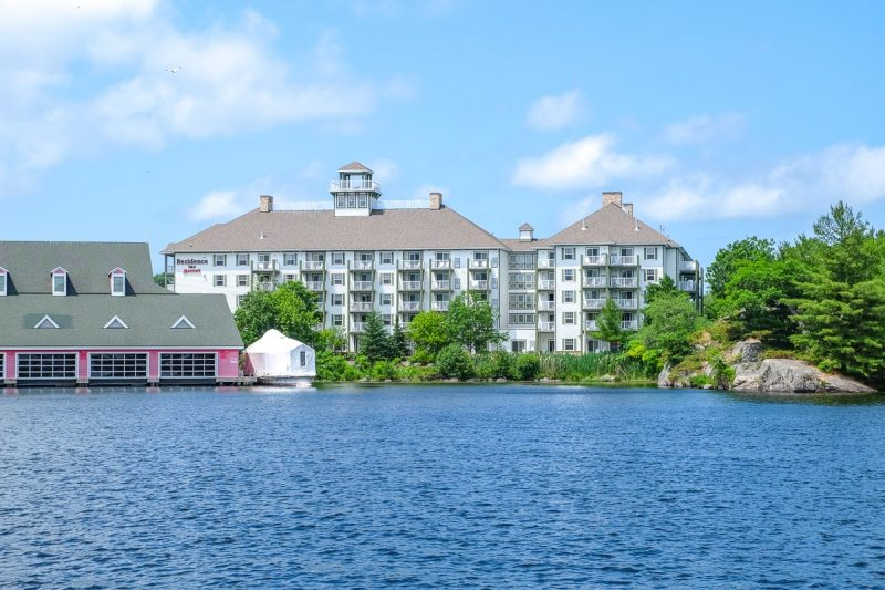 large hotel by the waterfront in gravenhurst muskoka